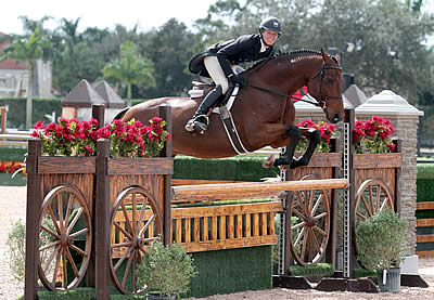 Molly Ashe Cawley Claims First and Third in $15,000 Holiday & Horses USHJA International Hunter Derby