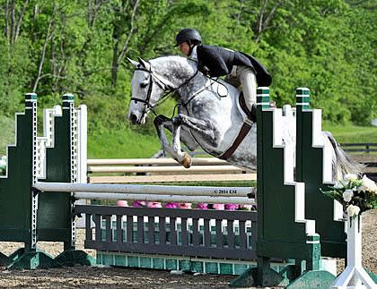 Heather Caristo-Williams Guides Cornetto Royal to the Top in the $5,000 Devoucoux Hunter Prix