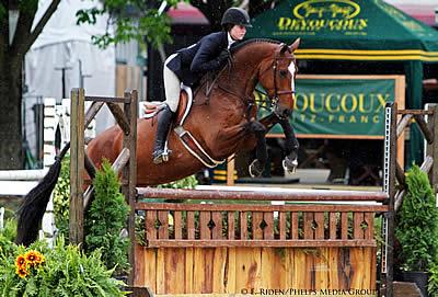 Victory for Vivian Yowan in ASPCA Maclay at Kentucky Spring Horse Show
