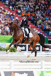 Personal Best for Graves Produces Top Five Finish in Freestyle at WEG