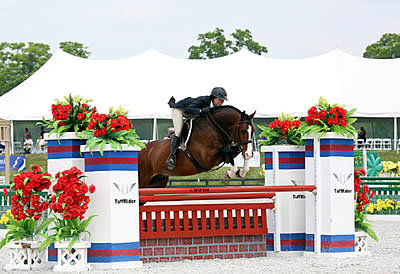 $25,000 Devoucoux Hunter Prix Victory for Adrienne Iverson and Fandango HX