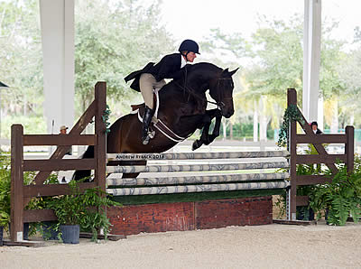 Kelly Farmer and Molly Sewell Top the Turf Tour's First Hunter Derby Days
