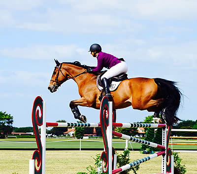 Sara Wayda and Faroukh Top $15,000 Grand Prix during Turf Tour Week 7