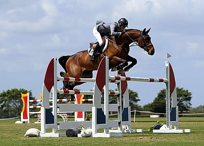 Beth Underhill Leaps to Victory in The Ridge at Wellington's Turf Tour $15,000 Grand Prix