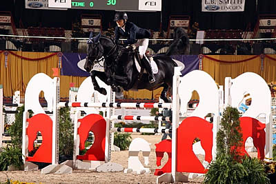 Zone 2 Defends Title to Take Team Gold in USEF National Junior Jumper Championships