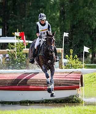 Bettina Hoy Retains Luhmühlen Lead with Designer 10 after Cross Country
