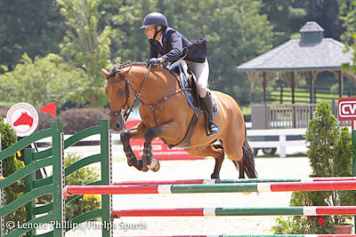 Sarah Kerins and Entertainer V Top Low A-O/Junior Jumpers at Kentucky Summer Classic