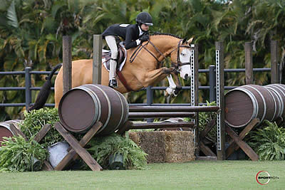 Cecelia Perry and Pokerface Lead in the $5,000 USHJA Pony Hunter Derby