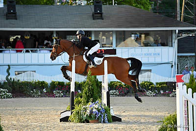 Stephanie King Crowned Adult Amateur Jumper Champion with Co-Starr at Devon