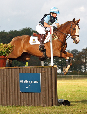 Kiwi eventer Jonelle Richards, pictured on Mere Oak.