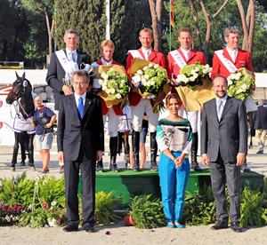 Team Germany, L-R : Chef d'Equipe Otto Becker, Marcus Ehning, Marco Kutscher and Ludger Beerbaum (back row), Italian Minister for Foreign Affairs Mr Giulio Terze, FEI President HRH Princess Haya and Mr Andreas Paulgross, President of FISE.