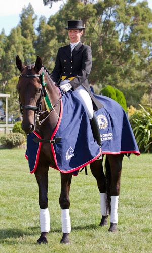 Tracey Johnson and Apollo 4 won the Hobsons Horsecoaches Advanced Challenge.