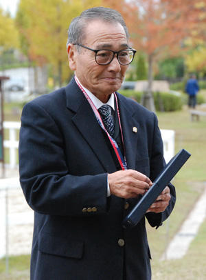 Eizo Osaka at the 2008 CDI3* in Miki,Japan, at a special ceremony to celebrate his life's work after performing his final judging role before retirement