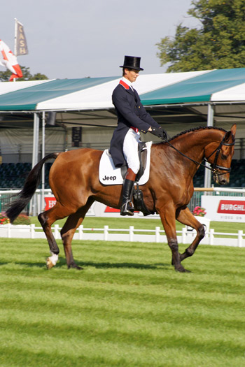 William Fox-Pitt and Neuf des Coeurs are in ninth place.