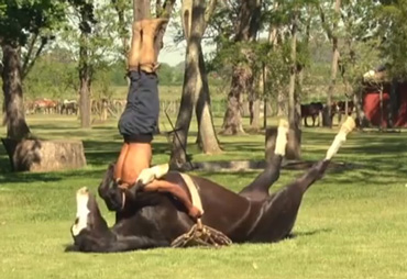 Cristobal Scarpati at one with his horse. Photo:  Doma India/YouTube