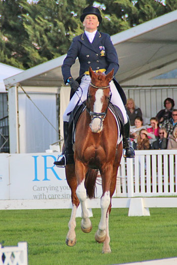 CCI3* leader Sonja Johnson nails the flying change on Parkiarrup Illicit Liaison to lead the dressage phase.