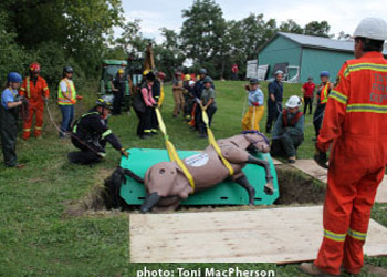Participants at a TLAER course learn safe methods to get horses out of trouble.