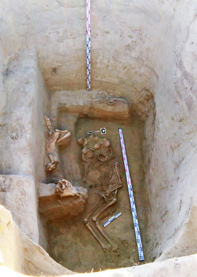 The unearthed burial mound revealed the remains of a high-ranking Scythian warrior. Photos: Russian Interior Ministry