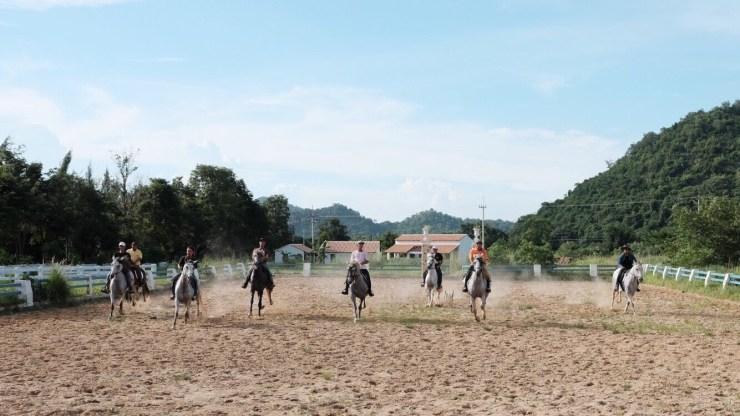 Horse-Riding-Bangkok-Khaoyai-1.jpg