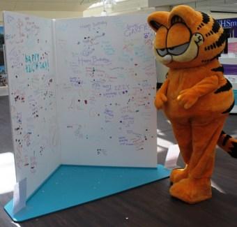 Garfield and the birthday card