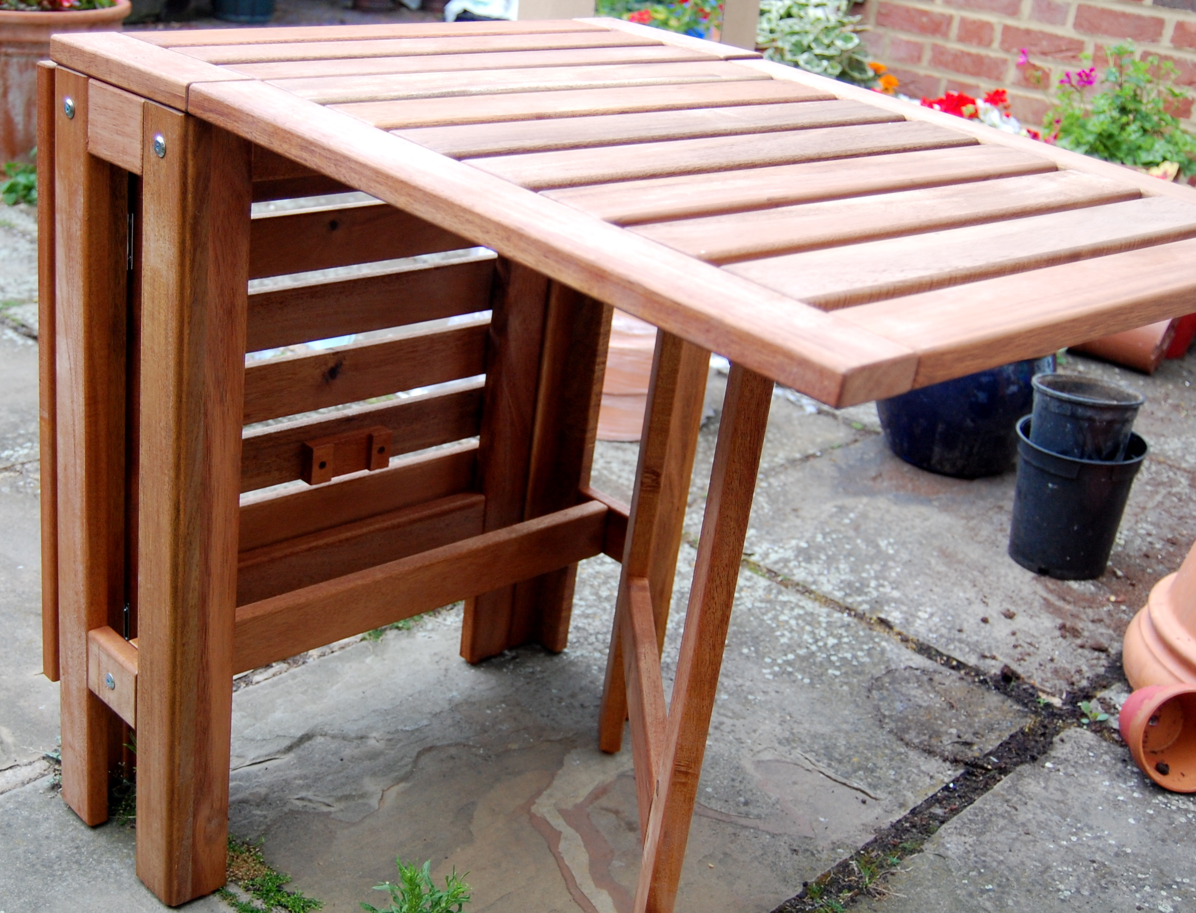 The table with one wing up