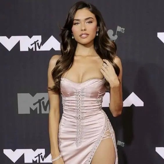 Madison Beer Height, Weight, Net Worth, Facts & Full Bio (2021)