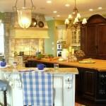 Light & Sunny Kitchen