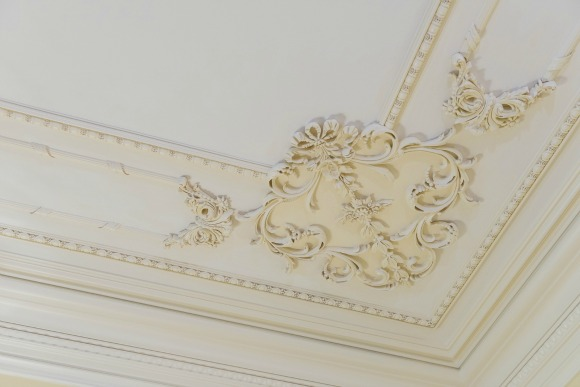 ceiling molding