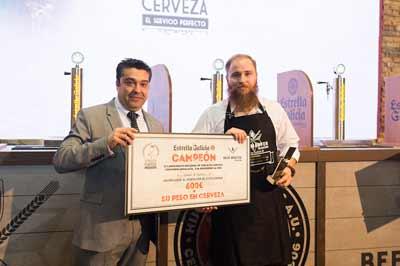 El Mejor Tirador de Cerveza Estrella Galicia de Andalucía es Adrián Hermida, del bar restaurante Picnic de Málaga