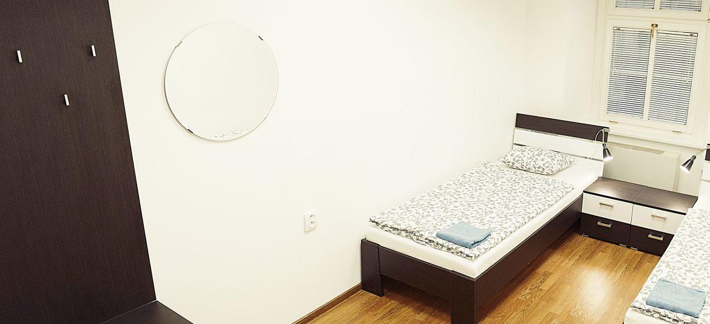 hostel folks room