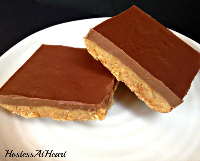 No-Bake Chocolate Pretzel Peanut Butter Squares are quick and easy to make. Who doesn't love peanut butter and Chocolate? HostessAtHeart.com