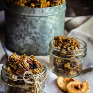 Honey Harvest Granola with Dried Fruit
