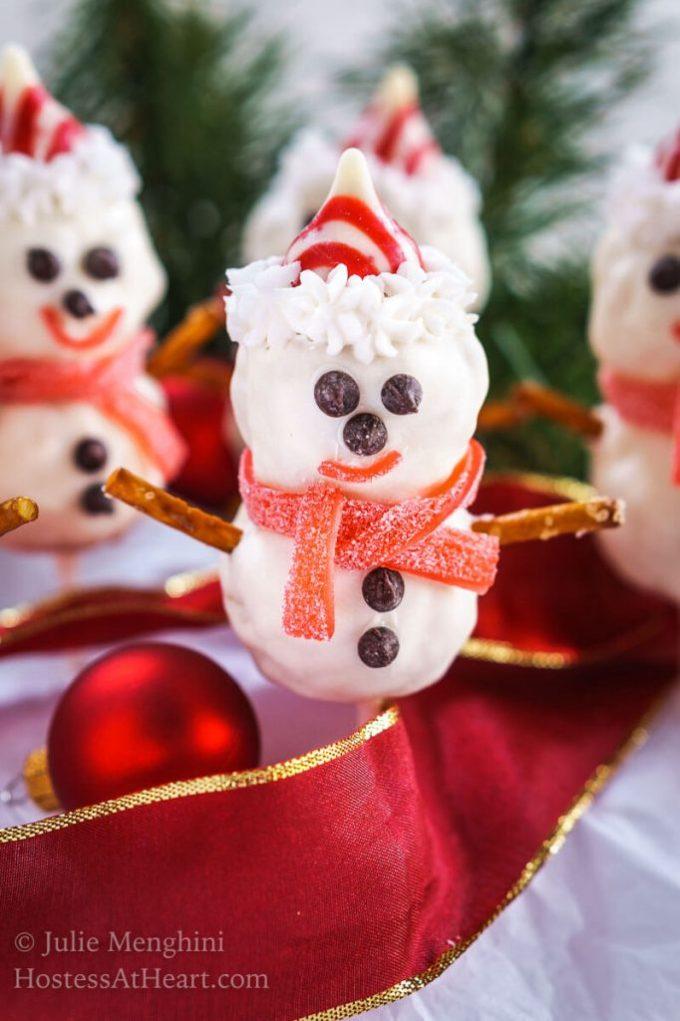 rice-krispie-snowman-pops-3