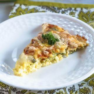 Crustless 3 Cheese Asparagus Quiche