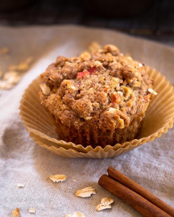 Rhubarb Oat Muffins with Cinnamon Butter Crumble