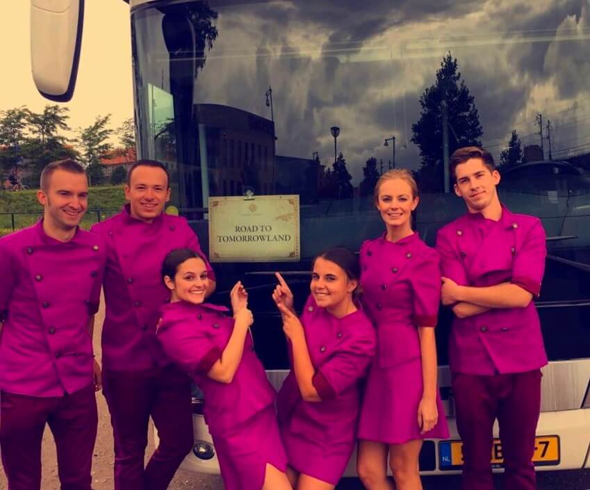 Hostessen Tomorrowland bus packages
