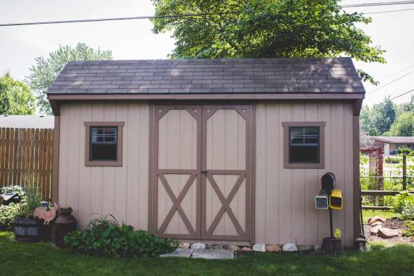 8 X 16 Carriage House with Shingles