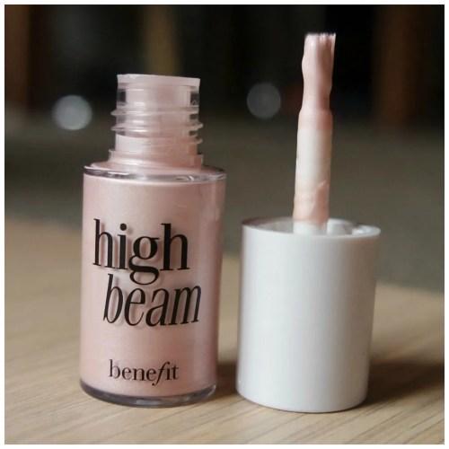 Benefit highligher mini review swatch makeup look sunbeam highbeam watts up