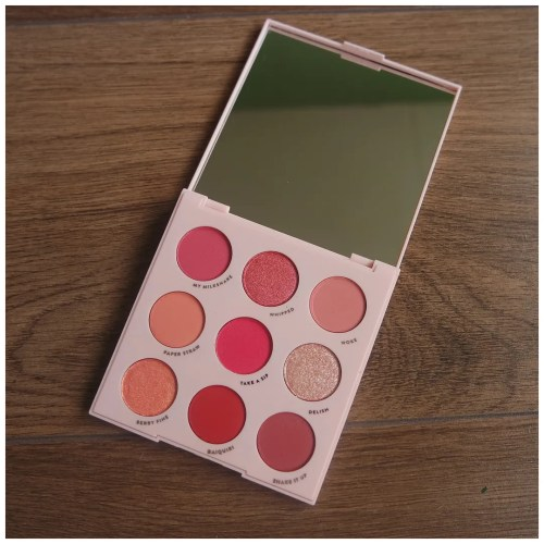 colourpop strawberry shake eyeshadow palette review swatch makeup look fair skin