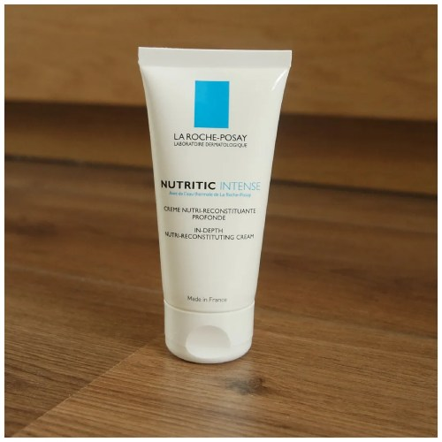 la roche posay nutritic intense in-depth nutri-reconstituting cream skincare review swatch application dry skin sensitive skin