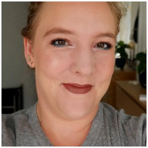 melt digital dust morning star highlighter review swatch makeup look