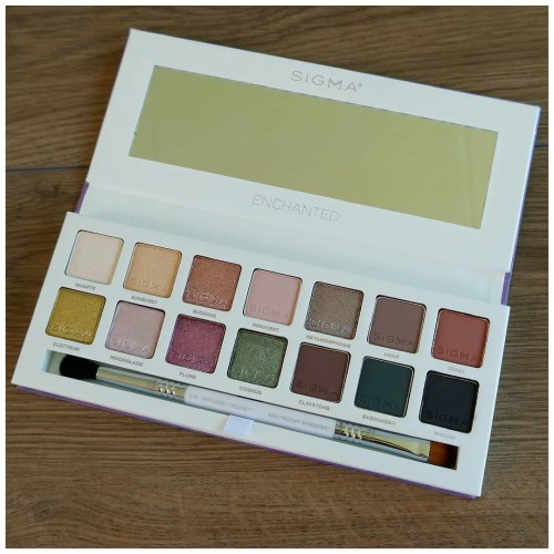 sigma enchanted eyeshadow palette review swatch makeup look application fair skin