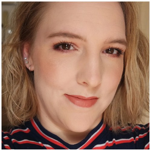 too faced love light highlighter ray of light review swatch makeup look application fair skin