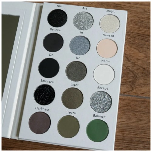 ve cosmetics grimoire eyeshadow palette review swatch make up look 3 looks 1 palette fair skin