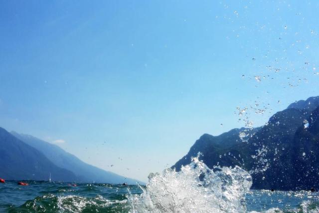 schwimmen-im-gardasee-riva (1)