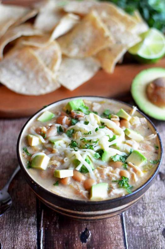Crock Pot White Bean Chili.  This creamy white chili is absolutely delicious and easy to make in the slow cooker.  Also, it doesn't use any canned soups!   hostthetoast.com