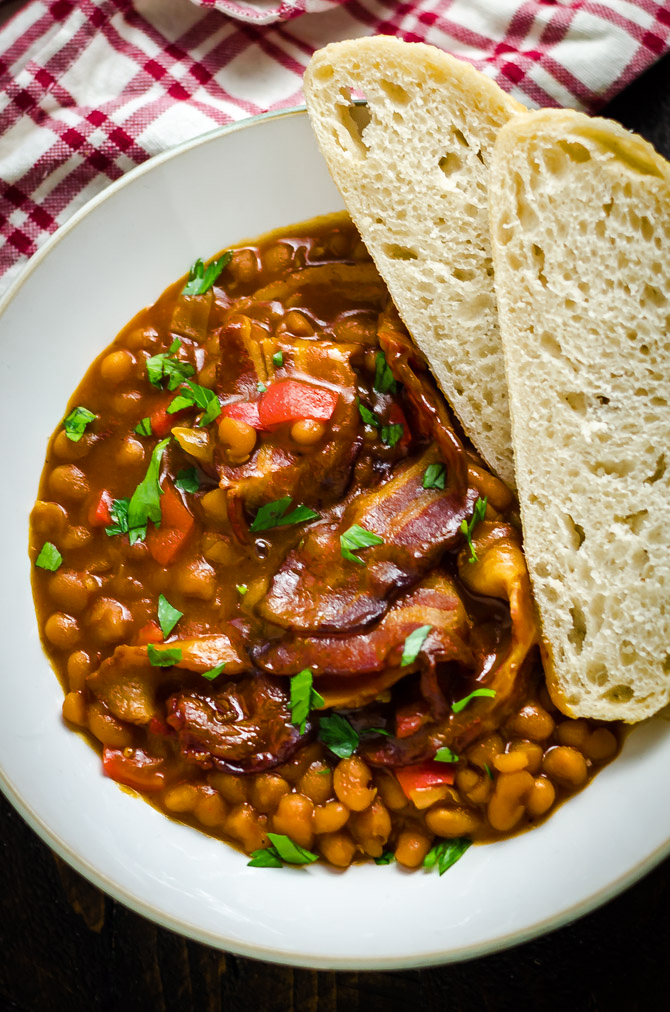 Easy BBQ Baked Beans. When it comes to side dishes, it doesn't get better than this. Simple, flavorful, smoky, tender, and delicious baked beans. | hostthetoast.com