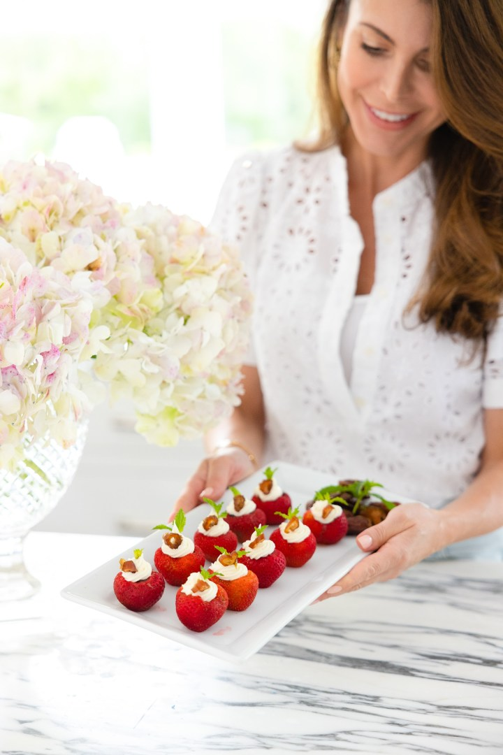 Bite-size Strawberries and Dates Dessert