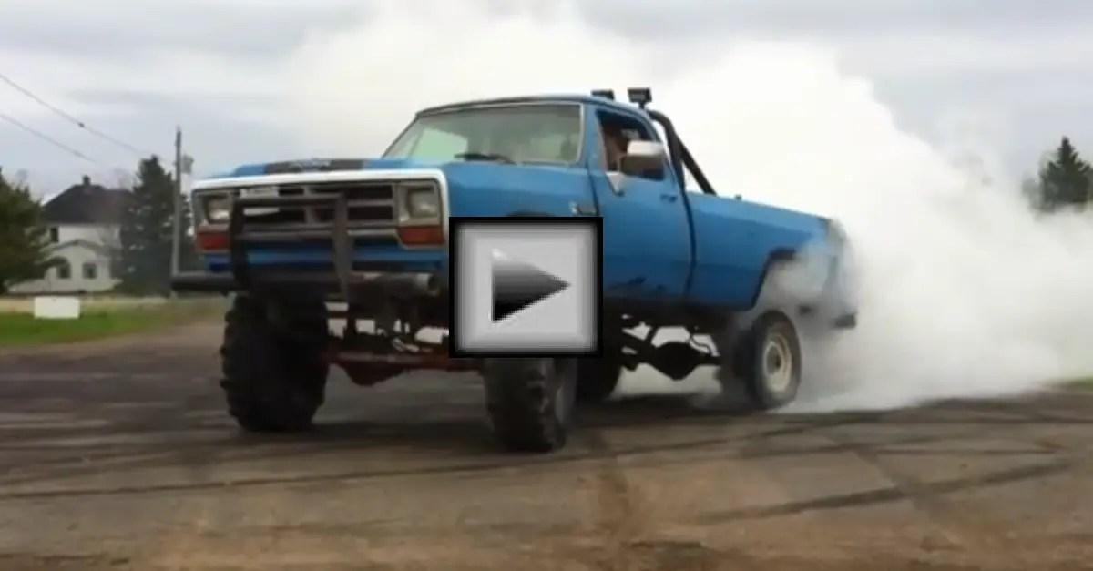 dodge 440 mopar muscle truck burn out