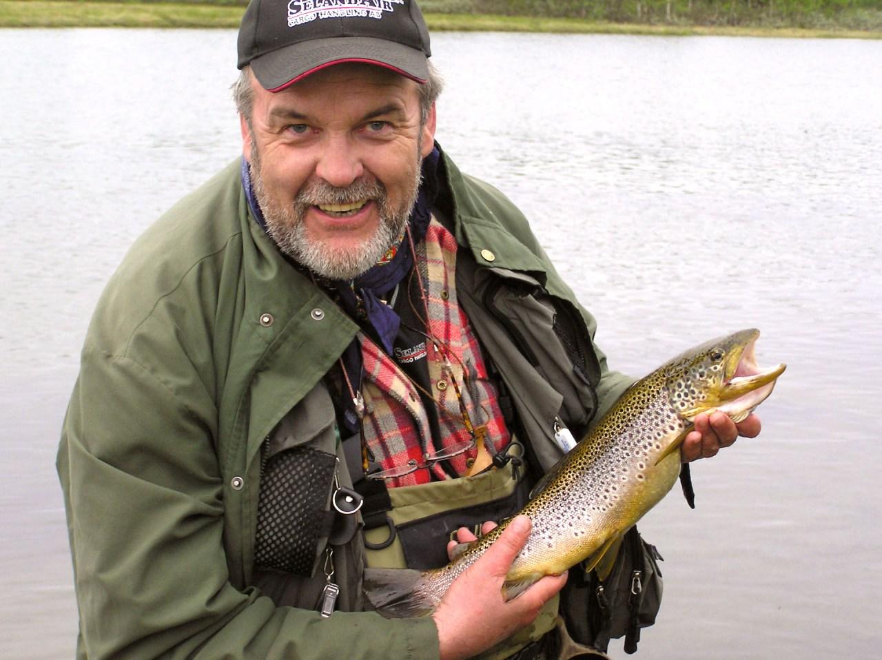 Fiske i Hotagsbygden. Foto Anders